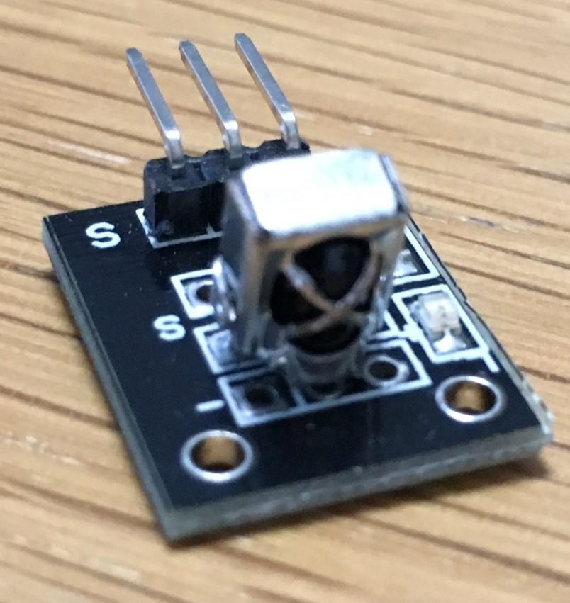 [Arduino] KY-022 赤外線レシーバーモジュール – 37 in 1 Sensors kit for Arduino